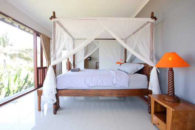 Balian surfing Bedroom looks directly over Balian surf break