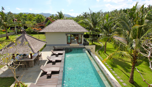 View from upstairs at Balian Villa over pool to guest house